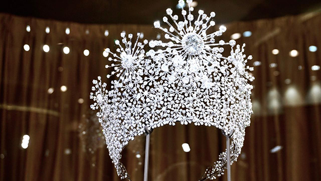 高级珠宝永恒之星皇冠展示