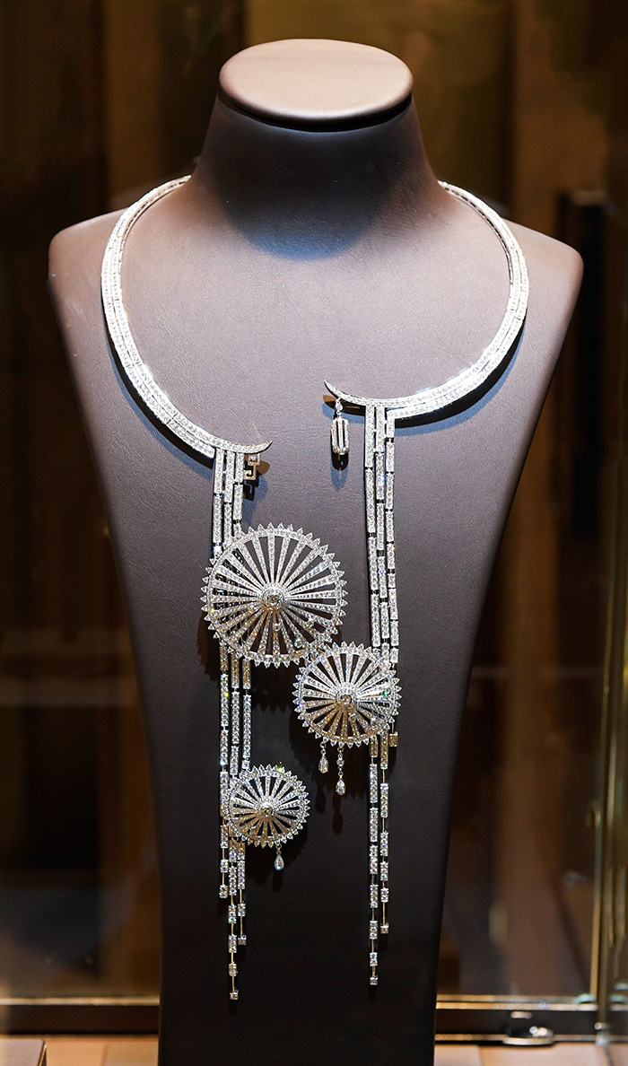 """金伯利钻石""""和""""系列高级珠宝《雨巷》"""