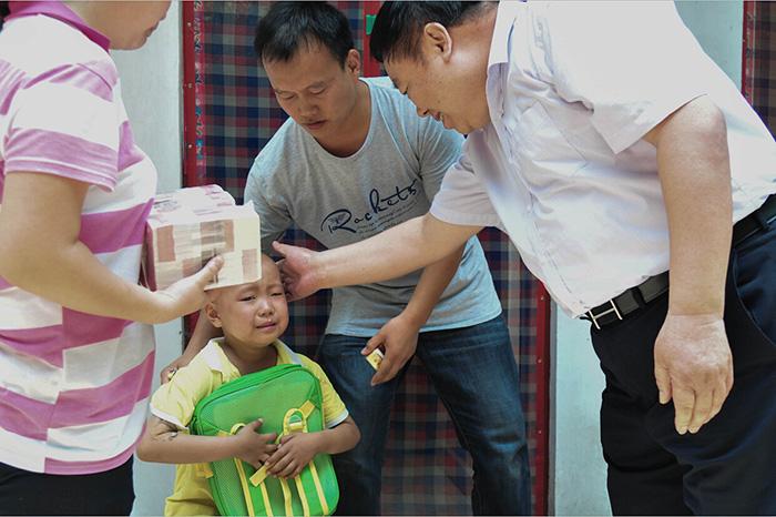 金伯利钻石捐助白血病儿童